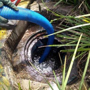 Caixa separadora de água e óleo limpeza